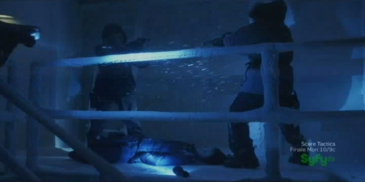 Sanctuary S4x07 - Henry and Allistair stand off