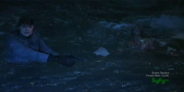 Sanctuary S4x07 - Magnus and Magoy in the water