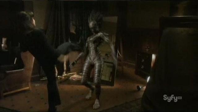 Sanctuary S4x08 - Magnus kicks the abnormal