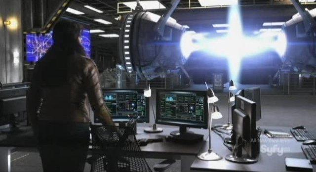 Sanctuary S4x05 - Magnus closes the rift