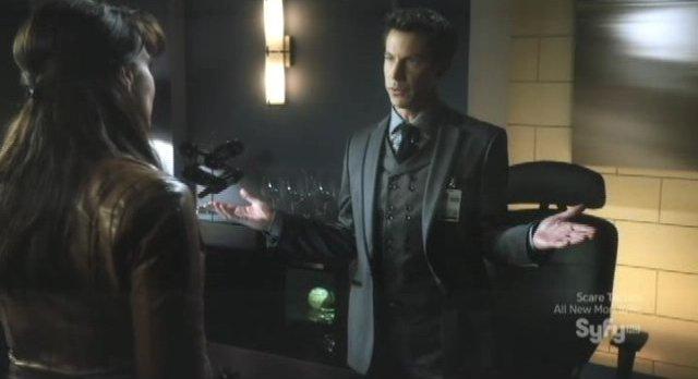 Sanctuary S4x05 - Magnus returns to the office