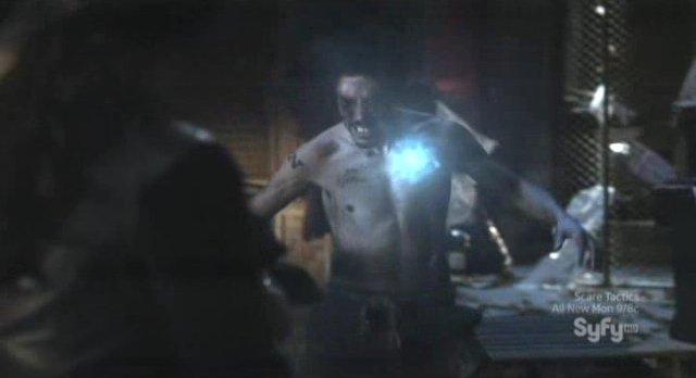 Sanctuary S4x05 - Zak Santiago blasted by Magnus