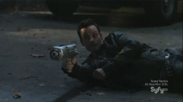 Sanctuary S4x06 Homecoming - Action-Henry
