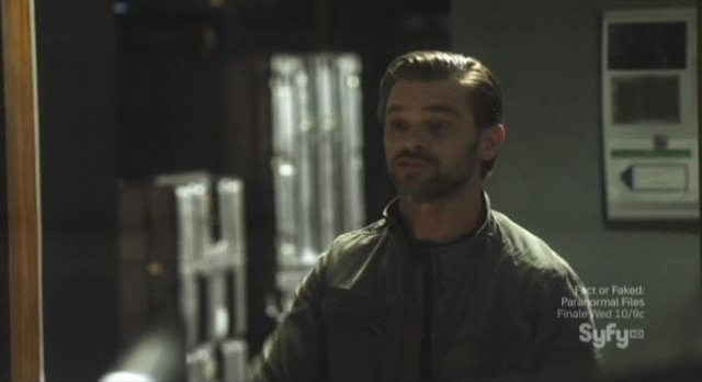 Sanctuary S4x09 - Ian Tracey as puzzling Adam Worth