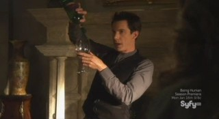 Sanctuary S4x12 - Tesla is back ipping wine
