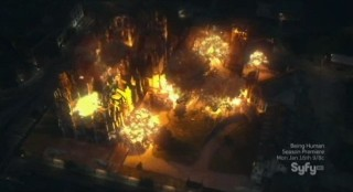 Sanctuary S4x13 - Explosion at home