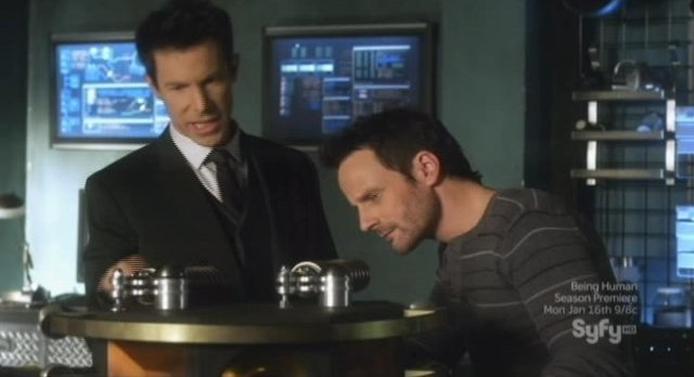 Sanctuary S4x13 - Tesla and Henry with the device