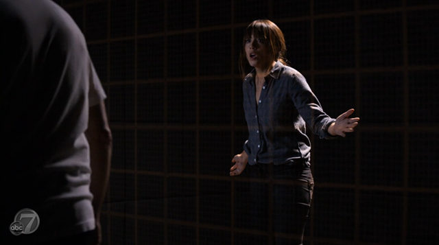 Agents of SHIELD - S2x07 - The Writing on the Wall - Skye Trapped