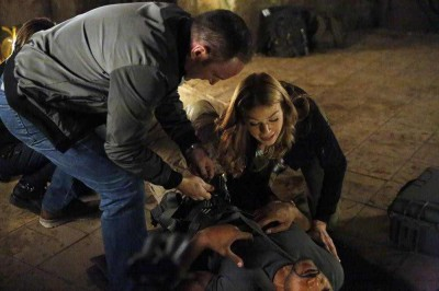 Agents of SHIELD S2x09 Mac is afflicted by the alien temple curse