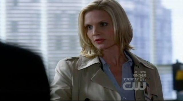 Supernatural S7x13 - Detective Charlene Penn meeting Sam and Dean