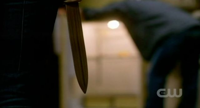Supernatural S7x13 - Emma drops the knife from her sleeve to kill daddy