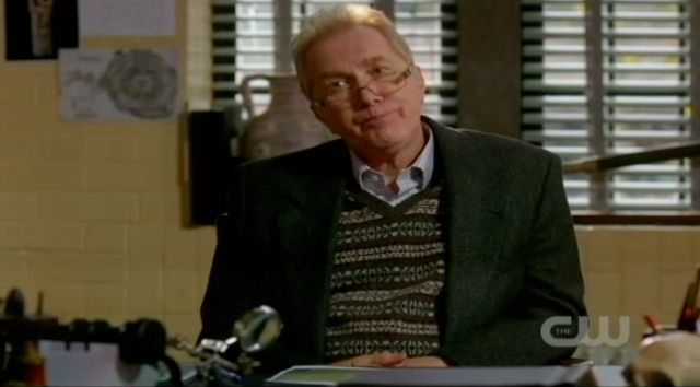Supernatural S7x13 - Professor Morrison wanting something for helping the feds