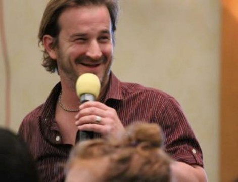Supernatural BurCon 2012 - Richard Speight, Jr. works the crowd