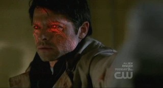 Supernatural S7x17 - Castiel absorbs evil saving Sam