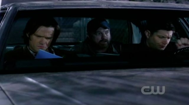 Supernatural S7x19 - Guys leaving the house:Bobby wants to stay