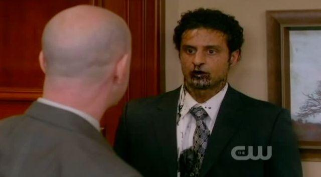 Supernatural S7x21 - Detective Collins kills another angel