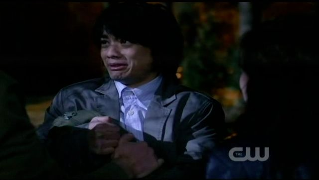 Supernatural S7x21 - Kevin cannot let go of the bag