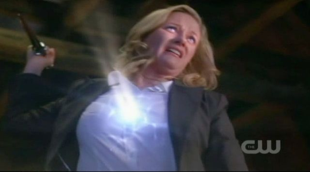 Supernatural S7x21 - Meg kills Hester