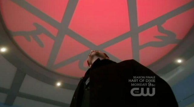 Supernatural S7x22 - Dick summons Crowley