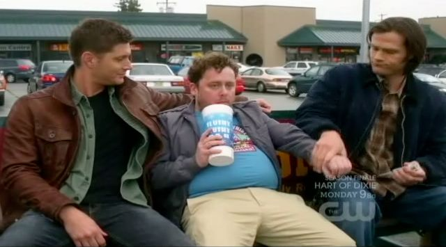 Supernatural S7x22 - Guy puts out his hand so Sam and Dean can take blood