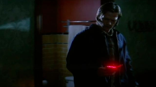 Supernatural S7x22 - Sam losing traces of EMF quickly