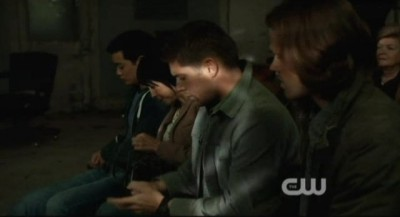 Supernatural S8x02 - The four pool their meager resources at the auction