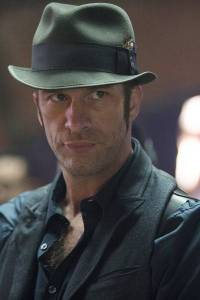 The Expanse S1x01 Thomas Jane as Detective Miller