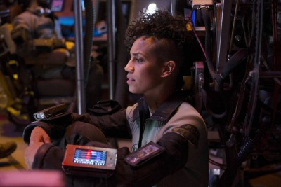 The Expanse S1x02 Naomi locks out the engine controls