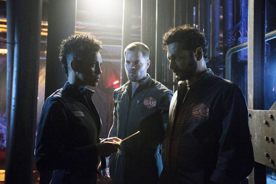 The Expanse S1x09 The crew tries to escape Eros
