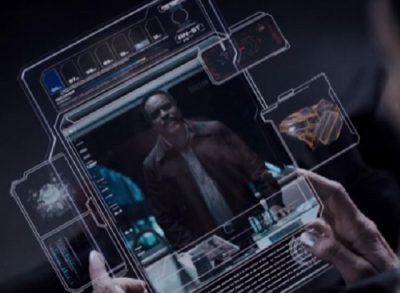 The Expanse S1x09 Fred Johnson transmits the data
