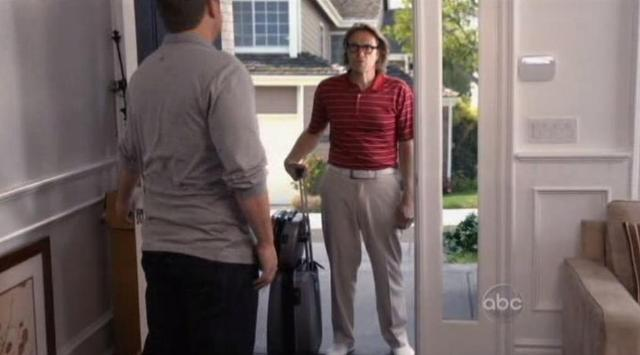 The Neighbors S1x01Kicked out