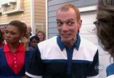The Neighbors S1x02 - Doug Jones guest stars
