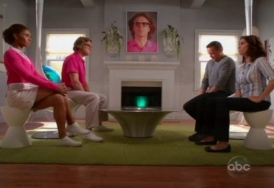 The Neighbors S1x02 - Meeting in the living room with the new folks in town!