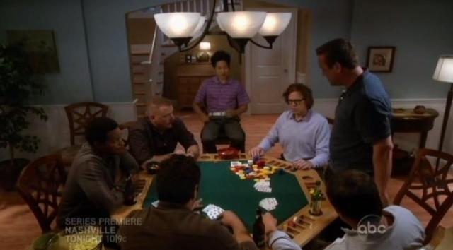 The Neighbors S1x03 winning at poker