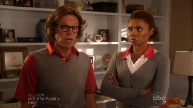 The Neighbors S1x10 Jackie is very angry with Larry