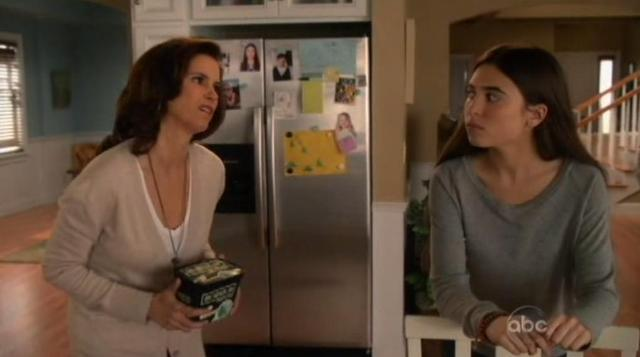 The Neighbors S1x15 Debbie and Amber 9
