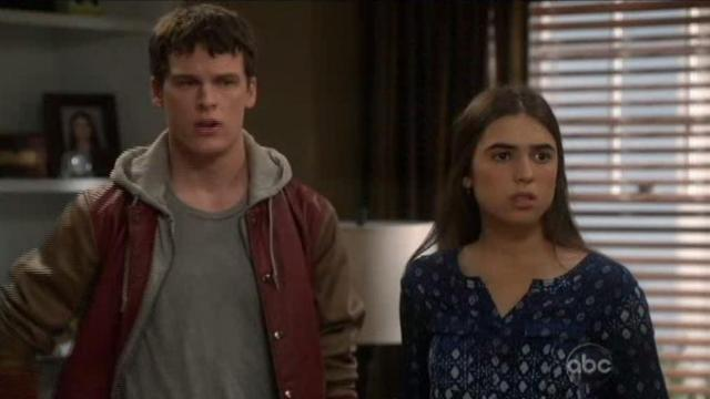 The Neighbors S1x21 Jeremy and amber