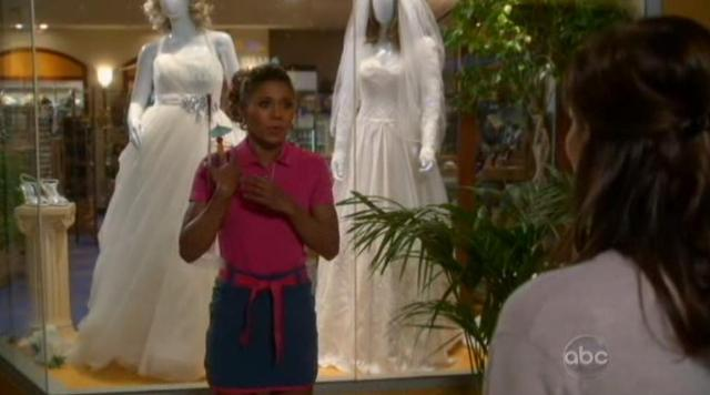 The Neighbors S1x22 Wedding dresses