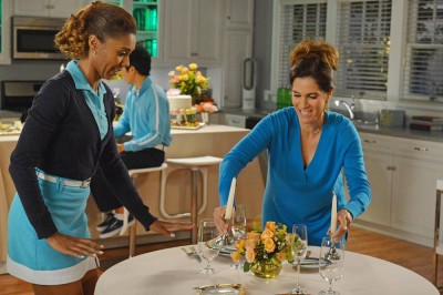 The Neighbors S2x06 - Debbie and Jackie set the table