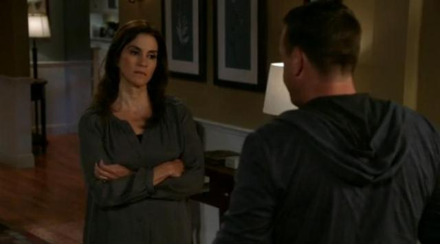 The Neighbors S2X03 Debbie accepts Martys appology