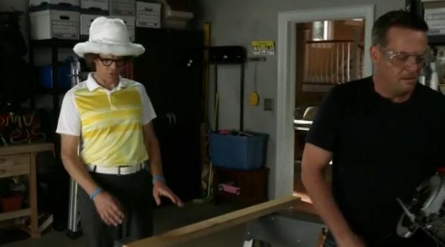The Neighbors S2X03 Larrys new hat