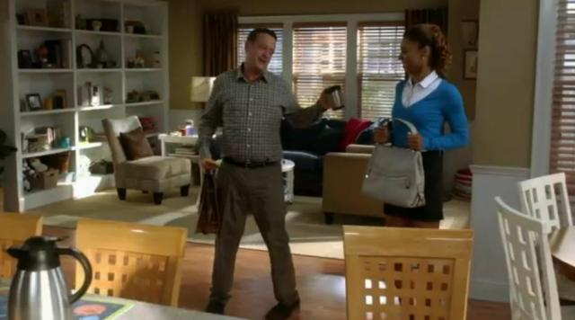 The-Neighbors-S2X03-off-to-work