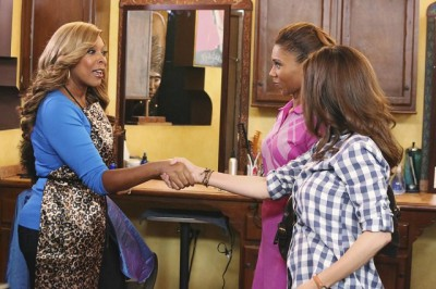 The Neighbors S2x04 - Wendy Williams guest stars as the salon hairdresser