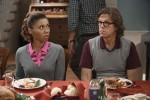 The Neighbors: Thanksgiving Is No Schmuck Bait None Was Too Late!