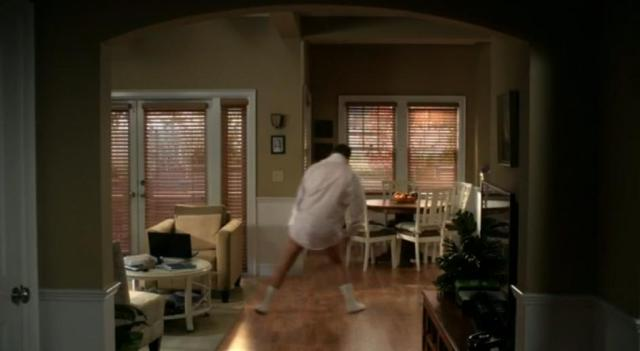 The Neighbors S2x 07 Marty doing the Tom Cruise