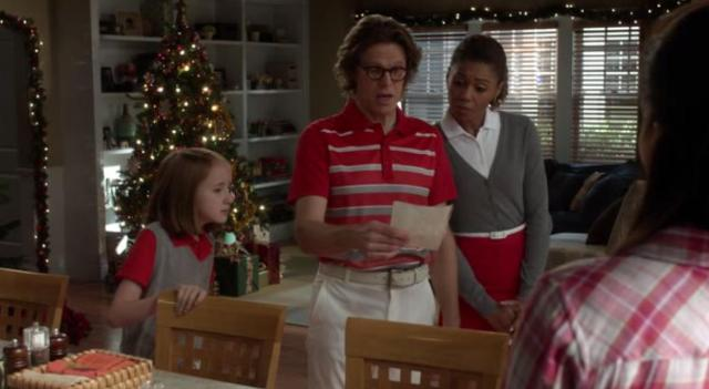 The NeighborsS2x11 The Bird Kersees check out the Christmas list