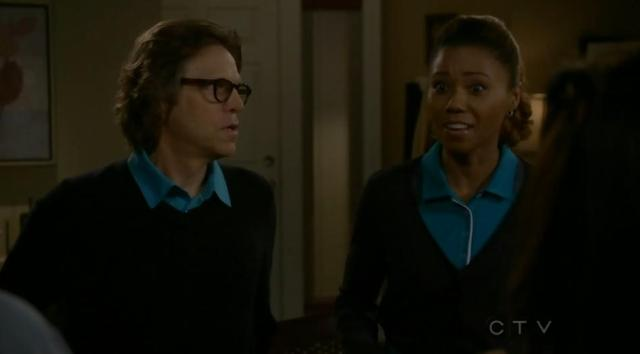 The Neighbors S02x12 Enter Larry and Jackie