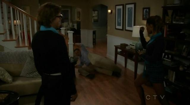 The Neighbors S02x12 Jackie knocks Marty across the room