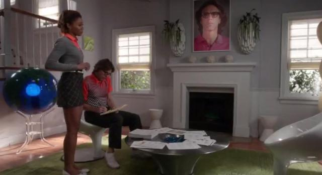 The Neighbors S2x20 Jackie is being ignored by Larry