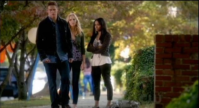 The Vampire Diaries 3x07 Bonnie and Caroline suspect Vicki
